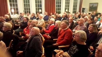 Intresset för berättelsen om gamla Limhamn var stort. Salen fylldes till sista plats.