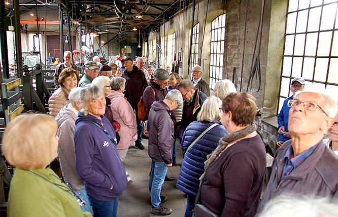 På besök i en av järnverkets lokaler. FOTO: Sven-Olof Gunnarsson